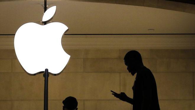 Apple Re-Prices iPhone As Sales Fall – Lessons for Entrepreneurs