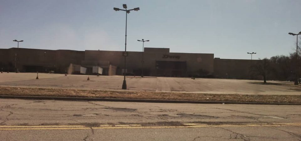 The Empty American Malls – Turning $100 into $120,000 Value in 20 years
