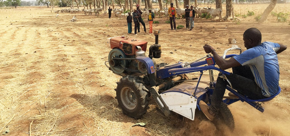 "Hello Tractor, ""Uber for Tractors"", Goes Blockchain and AI to Improve Nigerian Farming"