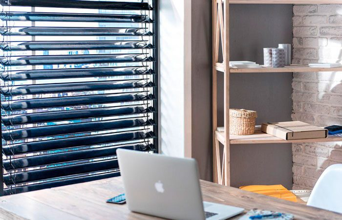 SolarGaps Makes Smart Blinds for Clean Energy Generation