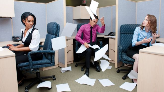 How To Manage Workplace Insubordination and Rebellion